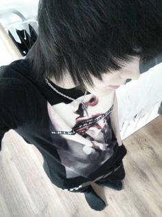 If I ever met a guy like this, I would fall for him instantly. (I would be too shy to talk to him though)