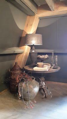 Onder de rieten kap: Dromen uit laten komen... Hall Colour, Chalet Style, Living Styles, Modern Rustic, Interior Inspiration, Entryway Tables, Modern Design, Sweet Home, Shabby Chic