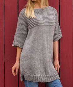 Hyggesweater. Dejlig, stor, vamset sweater, også til store piger. Den er her strikket i akryl, men andet (fx uld/bomuld) kan bruges. Pinde 5.