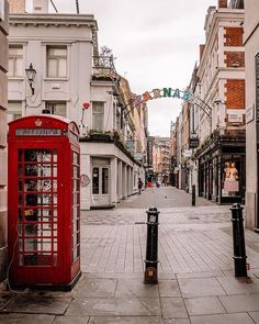 There's still loads to get up to this 🎶 Check out the hub at 3 Carnaby Street for their 'Art the Jewels'… London Diary, Chesapeake Shores, Dance London, London Market, Carnaby Street, London Places, London Life, London Calling, London England