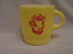 Fire-King-Bordens-Dairy-ELSIE-THE-COW-Yellow-Stacking-Advertising-Coffee-Mug