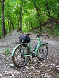 Best Cannondale Mountain Bikes to Buy in 2020 - Bikespedia Touring Bicycles, Touring Bike, Urban Bike, Boutique Velo, Ala Delta, Cannondale Mountain Bikes, Commuter Bike, Bike Style, Classic Bikes