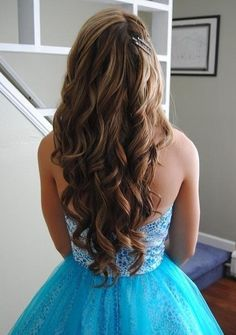 Top 10 Beautiful Wavy Long Hairstyles http://celebrityhairstylespictures.blogspot.com/