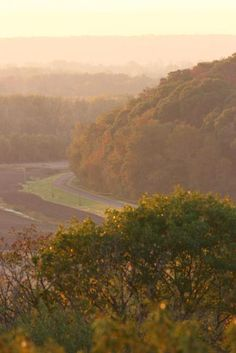 30 Great Midwest Spots to See Fall Color | Midwest Living: Kansas Glacial Hills Scenic Byway four-state overlook
