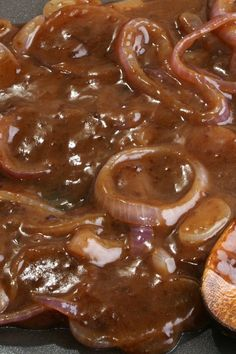 Homemade Onion Gravy - Weight Watchers Recipe Skinny Recipes, Ww Recipes, Low Calorie Recipes, Popular Recipes, Sauce Recipes, Cooking Recipes, Healthy Recipes, Cooking Sauces, Amish Recipes