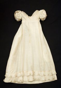 Dress | 1820-1825 | silk, wool, cotton | Snowshill Wade Costume Collection, Gloucestershire | Nation Trust Inventory #: NT 1349156