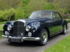 classic rolls royce and bentley cars for sale Bentley Rolls Royce, Rolls Royce Cars, Bentley Motors, Bentley Car, Vintage Cars, Antique Cars, Vintage Rolls Royce, Best Muscle Cars, Best Classic Cars