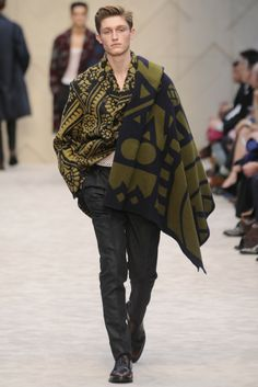 Burberry prorsum men's rtw fall 2014 men section mens fashio Men Fashion Show, Mens Fashion Week, Runway Fashion, Men's Fashion, Fashion Clothes, Fashion Outfits, Fashion Trends, Burberry Prorsum, Burberry Men