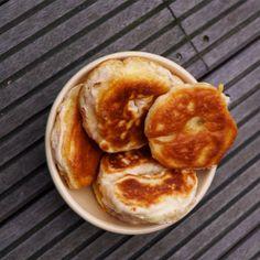 Ein wunderbarer Snack, schnell gemacht und so lecker! Gebackene Apfelringe (zuckerfrei und wahlweise vegan ) Zutaten: • 4 Äpfel • 250 gr. Dinkelmehl Typ 630 • 1 Packung Backpulver • Agavendicksaft …