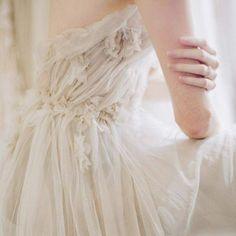 Photo (pretty little wedding things) Elisabeth Swan, Princess Aesthetic, One Shoulder Wedding Dress, Wedding Inspiration, Fancy, Elegant, Wedding Dresses, Ethereal Wedding Dress, Pretty