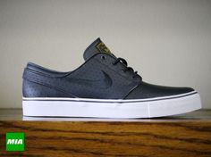 Nike Stefan Janoski- Anthracite Black and Gold Perf