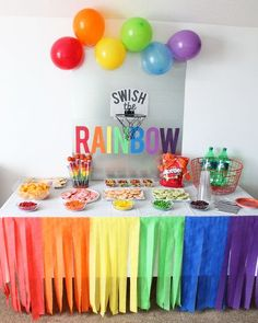 Basketball Party Ideas for Kids – My Sister's Suitcase – Packed with Creativity Fiesta arcoiris Rainbow Party Decorations, Rainbow Parties, Rainbow Birthday Party, Pig Birthday, Rainbow Theme, Unicorn Birthday Parties, First Birthday Parties, Birthday Party Decorations, Party Centerpieces
