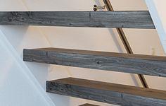 De open trap wordt vaak gebruikt als tweede trap naar de zolderverdieping. Je kijkt als het ware zo door de trap heen omdat er geen stootborden worden gebruikt. Dit heeft als voordeel dat de trap minder massief oogt en dat er veel daglicht doorheen kan schijnen. Bij een open trap kunnen wij de renovatie op …