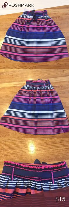 EUC Old Navy Beautiful Striped Midi Skirt Size S Fully lined. Colorful and bright with pink, peach, navy and white horizontal stripes. Has pockets!! Perfect pairing with strappy sandals and a plain white tee for gorgeous summer days!🌊🌻🌞🌞 Old Navy Skirts Midi