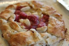 Raspberry and Pear Lazy Gal #pie.    #stepbystep #instructions about how to make this rustic lazy gal #pie. Awesome new #recipe! This is a great looking dish that looks like it took hours to make (really it takes like 15 minutes). Step by Step pictures for you too!    Binks and the Bad Housewife: what's cooking: raspberry pear lazy pie.