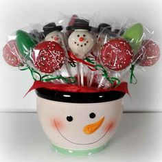 Yummy Christmas Gifts - Snowman Cake Pops and Candy Coated Oreos!
