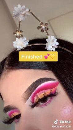 Edgy Makeup, Eye Makeup Art, Pink Makeup, Eyeshadow Makeup, Creative Eye Makeup, Colorful Eye Makeup, Maquillage On Fleek, Makeup Pictorial, Eye Makeup Designs