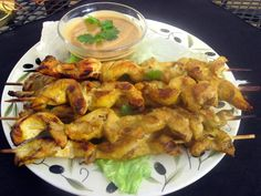 Delicious and flavorful dressing, great on Asian-influenced salads, or as a sauce for chicken or pork. Yummy Chicken Recipes, Yum Yum Chicken, Veggie Recipes, Asian Recipes, Healthy Recipes, Veggie Meals, Recipe Chicken, Thai Recipes, Yummy Recipes