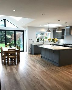 Familienzimmer Design The New Fuss About Kitchen Design Layout Island Open Floor Family Rooms 37 Kitchen Diner Extension, Open Plan Kitchen Diner, Open Plan Kitchen Living Room, Kitchen Family Rooms, Home Decor Kitchen, Kitchen Ideas, Diy Kitchen, Orangery Extension Kitchen, Kitchen Inspiration