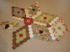 The Great Hexagon Quilt - Along: Hexie progress...