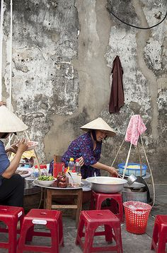 Let's Vietnamese: Đồ ăn vỉa hè - Food on sidewalk, Vietnam - Learn Vietnamese. Enjoy Vietnamese life. - Collected by Vòng Vòng Việt Nam School