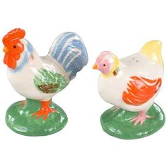 Cheer up your table setting in a flash with this friendly Chicken salt & pepper duo!