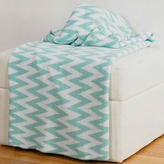 This Aqua & White Zigzag Throw Blanket by Rizzy Home is perfect! Aqua, Teal, Mint Chevron, Turquoise Chevron, Chevron Blanket, White Throws, House Of Turquoise, Cotton Throws, Bed Throws