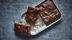 Nigella understands a brownie emergency, so her recipe makes enough for two perfectly fudgy brownies that you can snaffle straight from the tin. Cocoa Recipes, Brownie Recipes, Baking Recipes, Chef Recipes, Baking Ideas, Cookie Recipes, Fudgy Brownies, Cake Brownies, Bread And Pastries