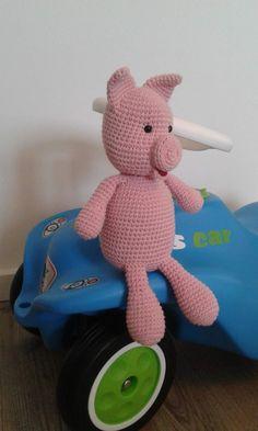 Spielzeug Schwein  Häkelpuppe Kuscheltiere  Pig Minions, Etsy, Character, Art, Crochet Stuffed Animals, Pigs, Cuddling, Pets, Toy