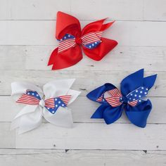Girls Big of July Patriotic Double Bow with Flag Hair Bow Big 6 of July Patriotic Double Bow with Flag Hair Bow Red Hair Bow, Girl Hair Bows, Baby Girl Boutique, Boutique Hair Bows, Bow Clip, Bow Hair Clips, Valentines Day Baby, 4th Of July Celebration, Baby Headbands