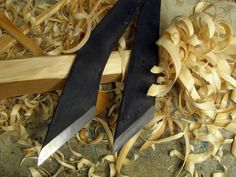 Kiridashi Knife  ハンドメイド 鍛造刃物諸刃小刀 極軟鋼で高炭素鋼を挟んだ和式鍛造の両刃の切り出し小刀です。