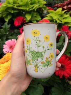 Tea, Coffee, and Books - nat-uralist: plants are friends / Tea, Coffee, and Books - Coffee Shop, Coffee Cups, Plants Are Friends, Cute Mugs, Pretty Mugs, Coffee And Books, Mellow Yellow, The Ranch, Mug Shots