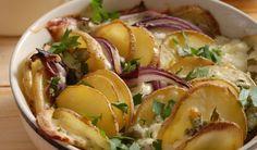 Nielen ako príloha: Pečené zemiaky s bryndzou | DobreJedlo.sk Baked Potato, Potato Salad, Potatoes, Baking, Ethnic Recipes, Bakken, Bread, Potato, Backen