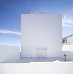 Image 1 of 22 from gallery of Raumplan House  / Alberto Campo Baeza. Photograph by Javier Callejas Sevilla
