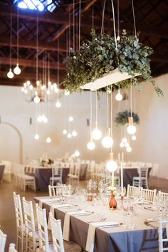 This Nooitgedacht Estate wedding in South Africa is one of the most relaxed and natural weddings we've seen, and has bonus post-wedding photos at the bay.