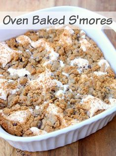 Jul 2019 - Cookie dough S'mores - Can you go wrong with that? Make these Oven Baked S'mores in a few easy steps with only 4 ingredients. Dessert Simple, Easy Desserts, Dessert Recipes, Recipes Dinner, Baking Desserts, Baked Smores, Oven Smores, Smores Pie, How Sweet Eats