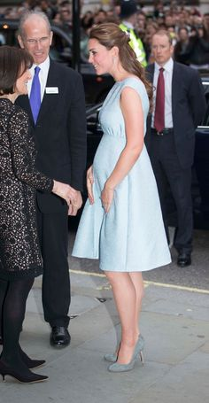 Kate Middleton and baby bump look serene in blue at National Portrait Gallery reception for her art charity - Duchess Kate, Duke And Duchess, Duchess Of Cambridge, Princesse Kate Middleton, Blue Cocktail Dress, National Portrait Gallery, William Kate, In This Moment, Royalty
