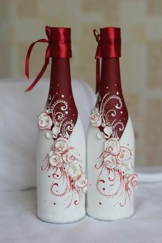 Resultado de imagem para how to fabric decoupage wine bottle Wine Bottle Vases, Recycled Wine Bottles, Glass Bottle Crafts, Painted Wine Bottles, Diy Bottle, Decorative Wine Bottles, Wine Bottle Decorations, Beer Bottle, Box Decorations