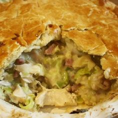 Chicken and Leek Pie. Melt in the mouth double crust pastry pie filled with chicken, leeks and bacon in a simple creamy sauce. (simple sauce for chicken) Chicken And Leek Pie, Chicken Bacon, Chicken Recipes, Chicken Meals, Creamy Chicken Pie, Chicken Satay, Chicken Piccata, Chicken Alfredo, Turkey Recipes