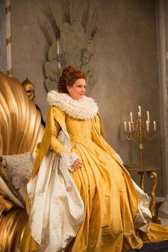 Mirror Mirror (2011) Costume design: EIKO ISHIOKA - Evil Queen, yellow court gown worn by Julia Roberts.