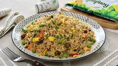 Orez prajit cu legume in stil asiatic Vegetable Fried Rice, Romanian Food, Asian Style, Feta, Risotto, Cooking Recipes, Chinese, Vegetables, Ethnic Recipes