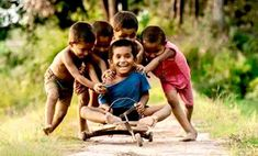 Khadiza Khatun: The days of childhood and adolescence have been lost from [& Poor Children, Precious Children, Children Images, Beautiful Children, Kids Around The World, We Are The World, People Of The World, Village Kids, Friendship Photography