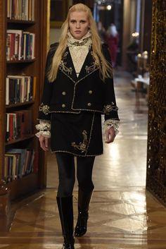 Chanel Pre-Fall 2015 Runway – Vogue (=)