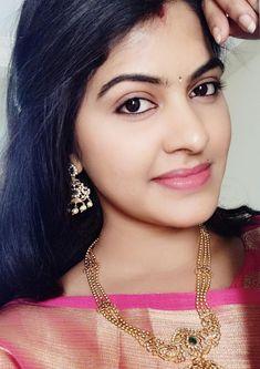 Hollywood Top Actress, Hollywood Actress Wallpaper, Most Beautiful Bollywood Actress, Beautiful Indian Actress, Beautiful Saree, Holi Girls, Indian Eyes, Tamil Girls, Desi Bride