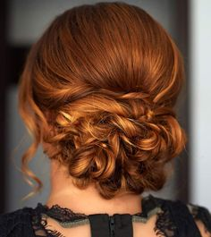 Fantastic romantic: 21 curls updos, instructions - Hair Beauty - Food and Drink - Christmas - DIY and Crafts - Home Decor How To Curl Short Hair, Girl Short Hair, Short Hair Cuts, Short Hair Styles, Hair Girls, Cool Short Hairstyles, Formal Hairstyles, Curled Hairstyles, Loose French Braids