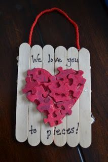 I love you in pieces Valentine.I love you in pieces Valentine.Flower heart Valentine SuckersFlowers from Suckers Valentine Not Candy Valentines Kid will love it! BEST Valentine's Day ideas for school - friends - fun Kids Crafts, Craft Stick Crafts, Preschool Crafts, Craft Gifts, Craft Projects, Craft Sticks, Popsicle Sticks, Kids Diy, Kids Popsicle Stick Crafts