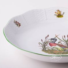 1 pc – Vegetable Dish / Bowl – vol 8 dl OZ) CHTM – Wild Duck This Hunter Trophies pattern can be ordered… Dinnerware Ideas, Dinner Sets, Forest Animals, Vegetable Dishes, Fine China, Hunters, Pride, Porcelain, Traditional