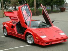 The King of Supercars in 1970 – 1980 : Lamborghini Countach  April 26th, 2013 admin  The Italian word Countach is not easy to be translat...