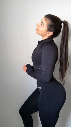 It's not everyday matching set. Sport Fashion, Fitness Fashion, Fitness Brand, Fitness Motivation Pictures, Workout Attire, Yoga, Sport Outfits, Fitness Inspiration, Fit Women