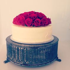 Red Roses Wedding Cake #OldSchoolTeaLady